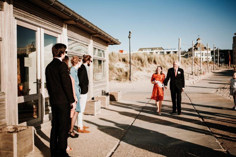 Bruiloft, trouwen, trouwfotografie, bruidsfotografie, trouwfotograaf, strand, Beachhouse Nomade, Zonsondergang