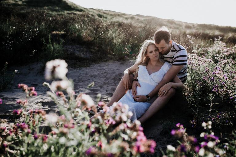 Heartfelt_Photography.nl Zwangerschapsshoot Babybelly Zwangerschapsfotografie strand zee